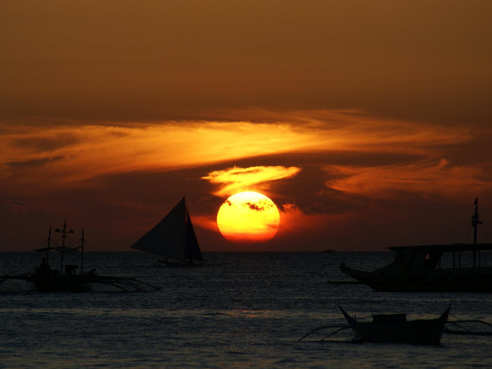 Fotos puesta del sol fondo puesta del sol fotos barcos for Fondo del sol